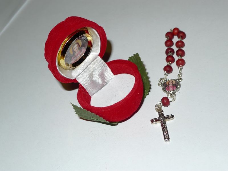 Rosary Bead Perfumed Bracelet with Rose Holder (SOLD OUT)